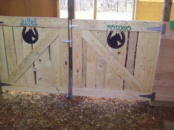 & Building stall doors | Horse Ideology
