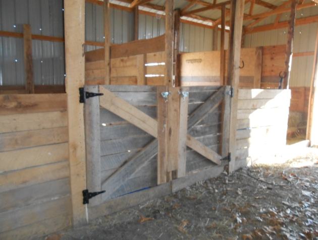 Gerry woodworkers get how to build lean to shed for horses for Horse stall door plans